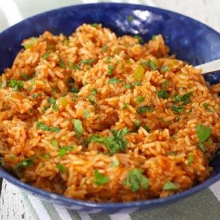 برنج مکزیکی با پنیر