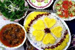 تصویر خورش ترشی گرما در کنار برنج