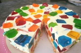 تصویر  چیز کیک با ژله خورده شیشه