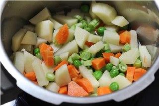 تصویر کتلت سبزیجات مرحله اول