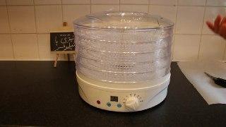 خشک کردن ادویه مثل فلفل تا سبزیجات و میوه جات به روشی بسیار ساده