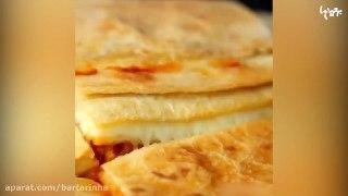ساندویچ مرغ و سبزیجات با پنیر