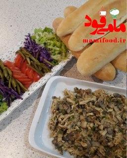 ساندویچ مرغ و قارچ