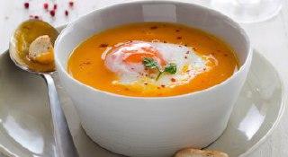 سوپ سبزیجات با تخم مرغ آب پز