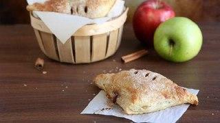 شیرینی رول سیب