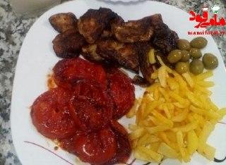 طرز تهیه خوراک گوجه و بادمجان و سیب زمینی