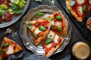 عکس بشقاب پیتزا