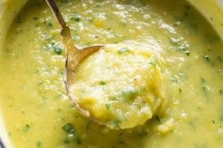عکس سوپ تره فرنگی خوشمزه با سیب زمینی