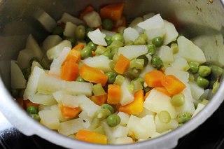 عکس کتلت سبزیجات مرحله دوم