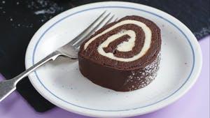 عکس کیک رولت شکلاتی